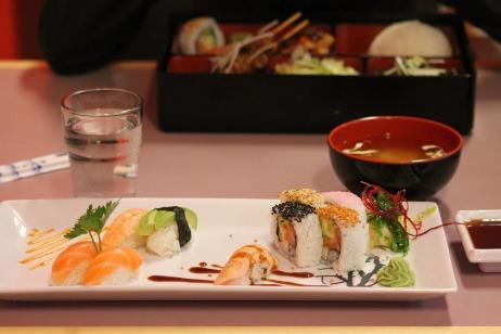 sushi-727244_1920